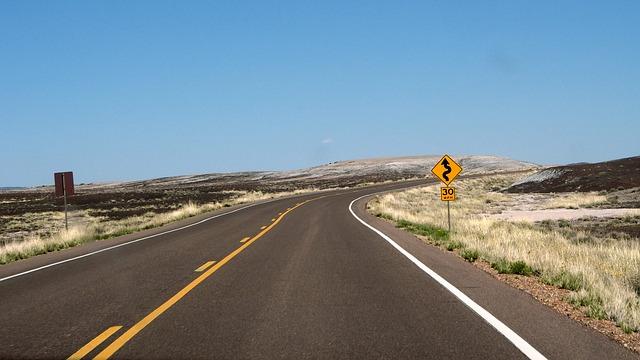 winding-road-548608_640
